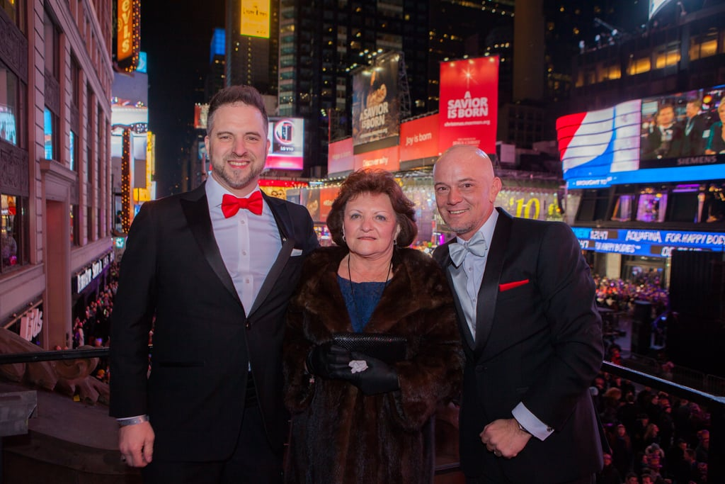 The First Same-Sex Wedding in Times Square Will Move You to Tears
