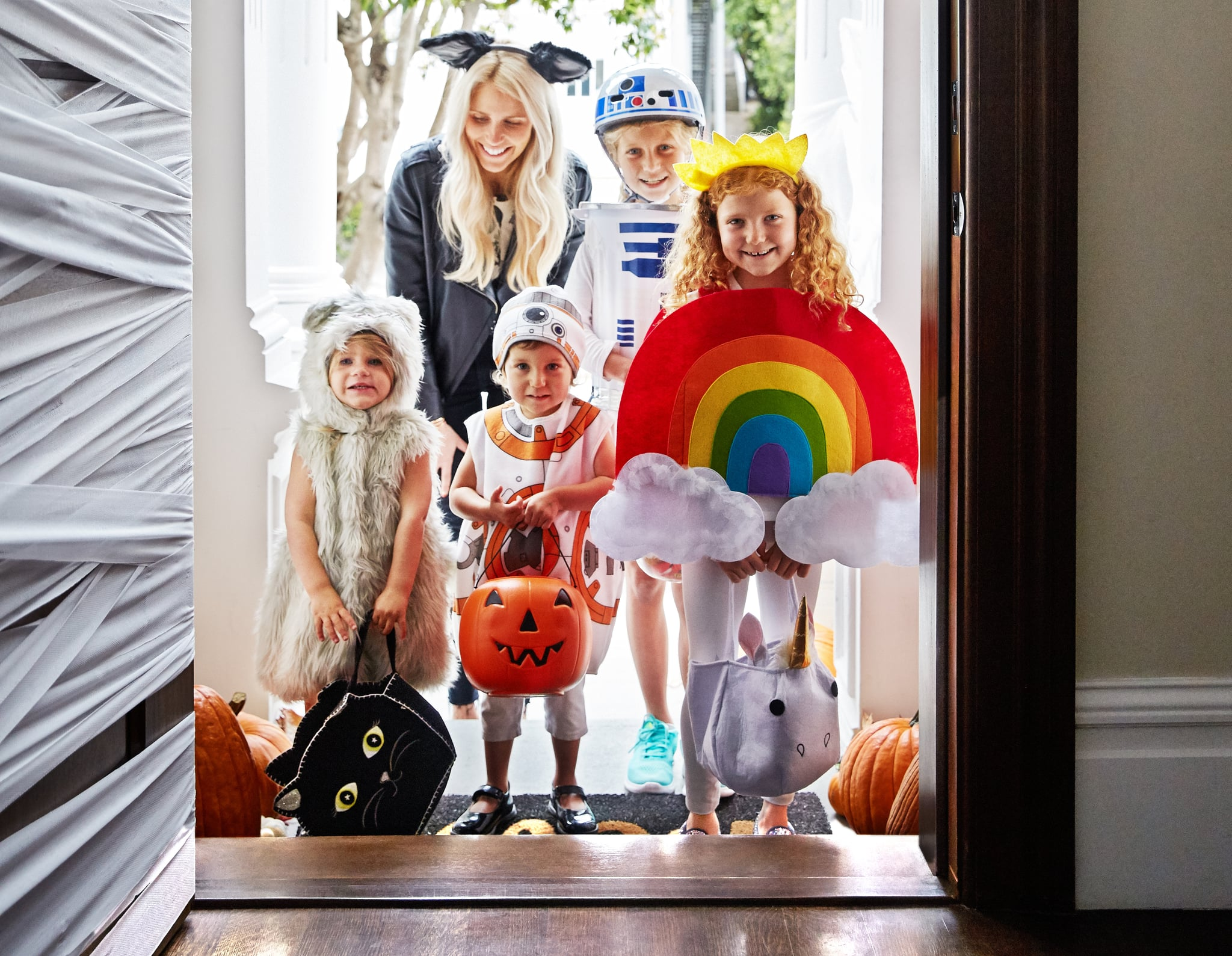 PopsugarFamilyHalloweenTypes of Kids You Meet Trick-or-Treating on HalloweenThe Kids You Meet While Trick-or-TreatingOctober 26, 2016 by Kate Schweitzer64 SharesParent or not, we all know that there are several distinct categories of kids who come a-calling on Halloween night. We
