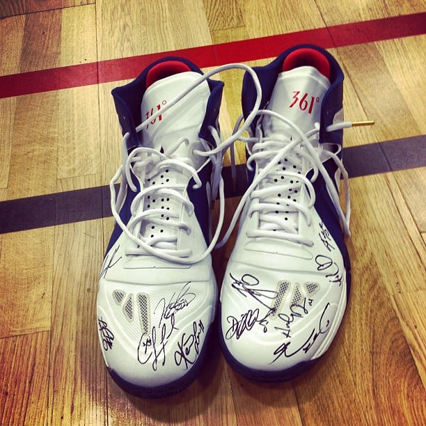 Kevin Love had his sneakers signed by teammates. Source: Instagram user kevinlove