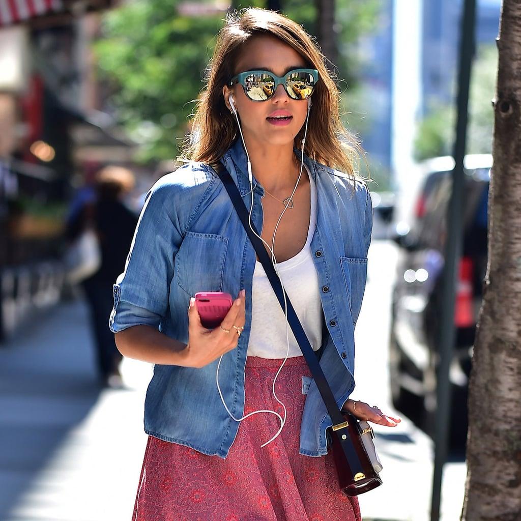 Jessica Alba In H M Street Style Popsugar Fashion