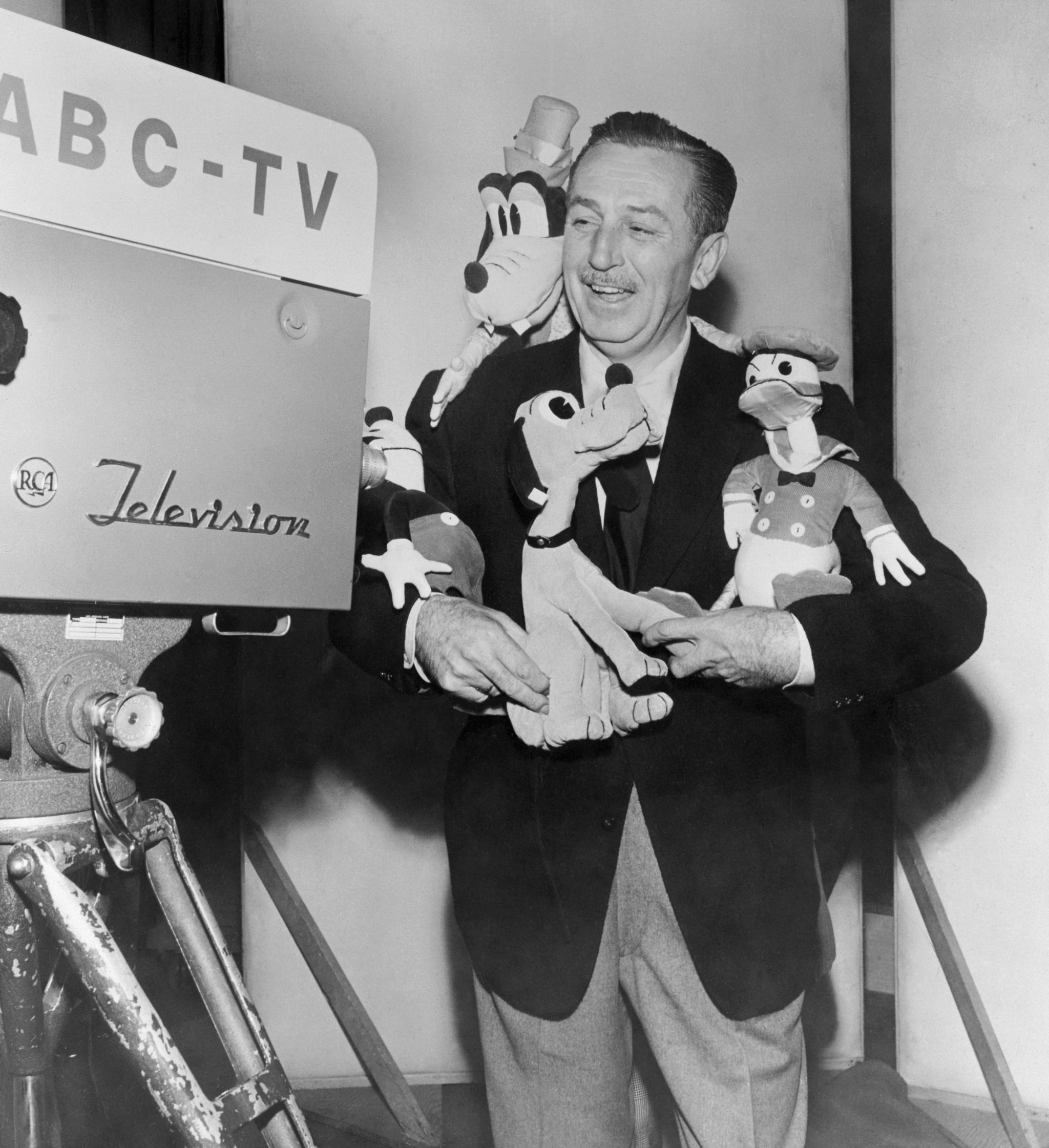(Original Caption) After more than a year of study and exploration of the television field, Walt Disney today signed an exclusive long term agreement with the American Broadcasting Company calling for the Walt Disney Studios to annually produce a minimum of 26 hour long TV programs.