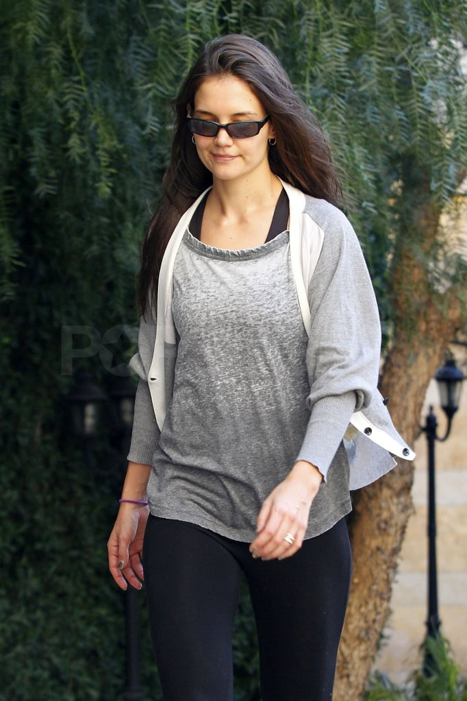 Katie Holmes left an LA dance studio yesterday in a Colorfast Apparel tee. She was without her constant companions, Tom and Suri Cruise, but from the looks of her sweats, it seems she worked up a sweat perfecting her footsteps. Katie stays in top physical condition with a mixture of cardio, dance, and running around with Suri. It seems Katie's rigorous fitness schedule got her in shape for her sexy new H. Stern ads. Katie strips down to just the bare necessities for the campaign, modeling the brand's signature pieces against her bronzed skin. The campaign debuted overseas this week, and will be on display in the States later this year.