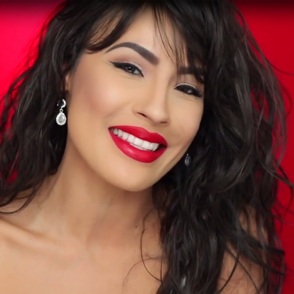 Desi perkinss selena quintanilla makeup tutorial video desi perkinss selena quintanilla makeup tutorial video popsugar latina baditri Choice Image