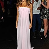 Eva Longoria changed into a different pink dress during the show.