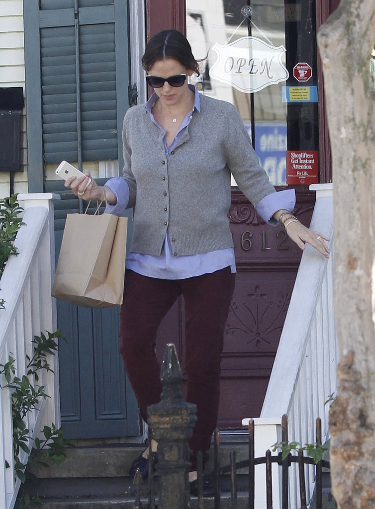 Jennifer Garner stopped by a bead store in New Orleans.