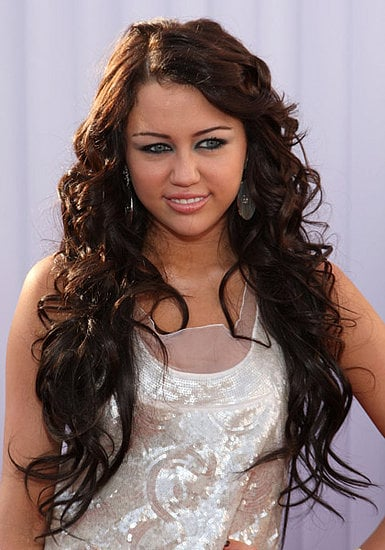 Miley Cyrus' Hair and Makeup at the 2008 Grammys