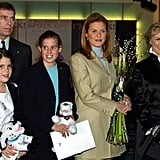 Andrew, Sarah, and the girls met Glenn Close at the London premiere of 101 Dalmatians in 2000.
