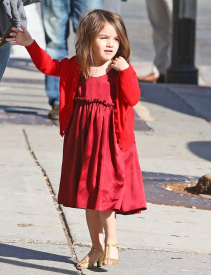 Suri goes Halloween shopping with mom Katie Holmes