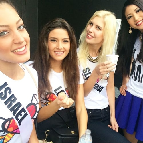 Miss Lebanon and Miss Israel Selfie