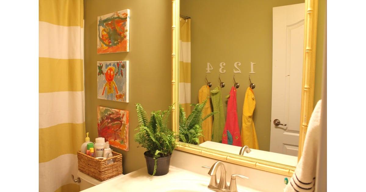 A shared kids bathroom kids bathroom decor ideas for Shared bathroom ideas