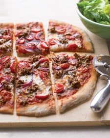 Fast & Easy Dinner: Hamburger and Tomato Pizza