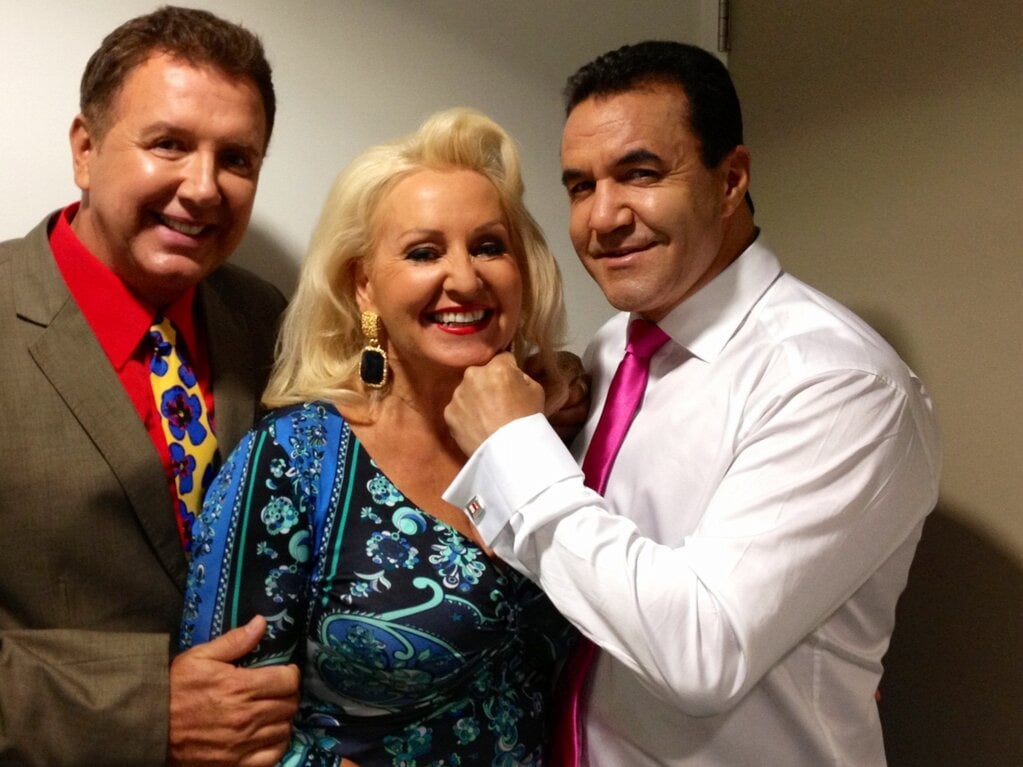 Prue MacSween goofed around with Peter Everett and Jeff Fenech. Source: Twitter user pruemacsween