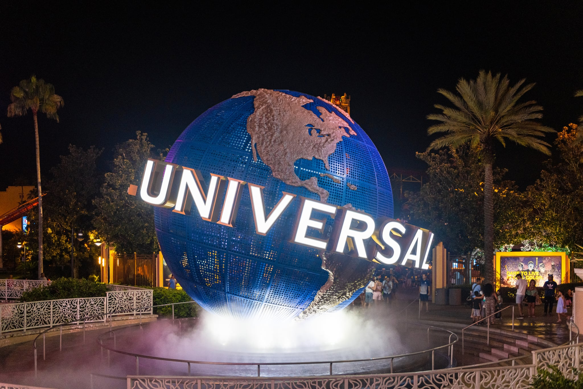 Universal Studios Orlando and Hollywood Extend Park Closures to April
