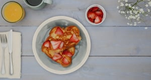 Win Breakfast With This Indulgent Fruit-and-Honey-Stuffed French Toast