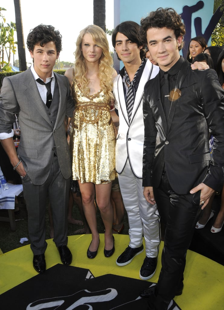 Taylor Swift and the Jonas Brothers at the 2008 MTV VMAs