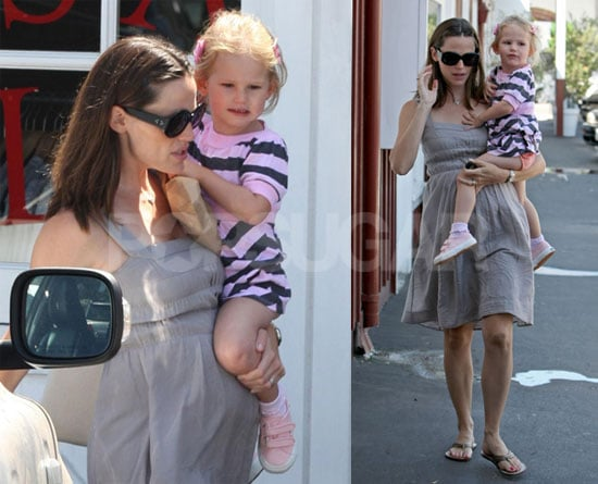Photos of Pregnant Jennifer Garner Shopping for Baby Stuff with Daughter Violet