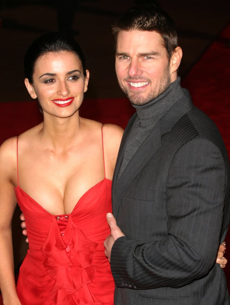 Penélope wore a cleavage-baring red dress for the London premiere of then-boyfriend Tom Cruise's film The Last Samurai in January 2004.