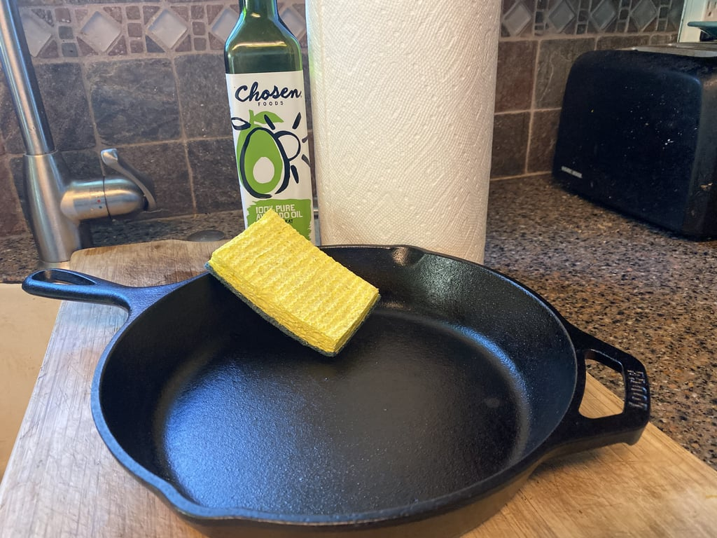How to Clean a Cast Iron Skillet with Photos
