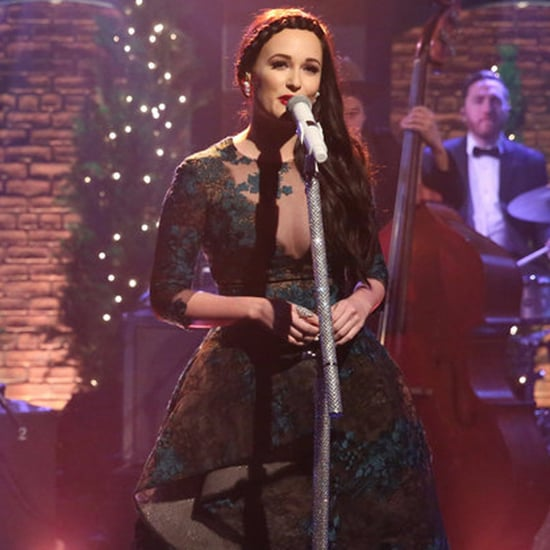 "Kacey Musgraves ""Christmas Don't Be Late"" on Seth Meyers"