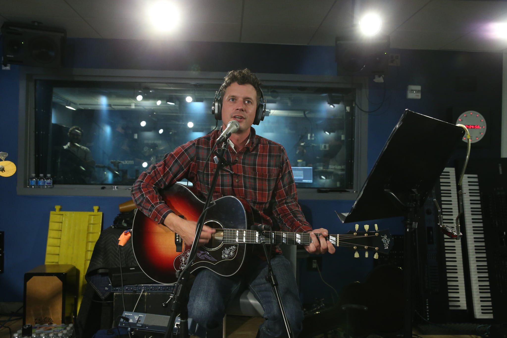 NEW YORK, NY - OCTOBER 26:  Evan Felker of Turnpike Troubadours performs at SiriusXM Studios on October 26, 2017 in New York City.  (Photo by Rob Kim/Getty Images)