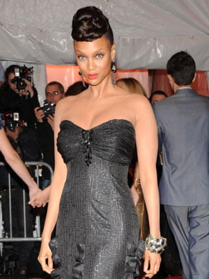 Tyra Banks Play Our New Who Was Sexier At The Costume Institute Gala Faceoff Popsugar Celebrity Photo 10