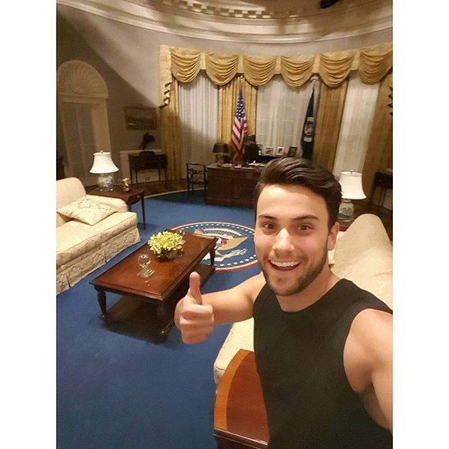 When He Snuck Onto The Set Of Scandal Raise Your Hand If You Re Crushing On Htgawm S Jack Falahee Popsugar Celebrity Photo 3