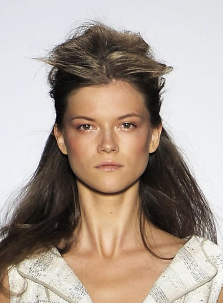 Photos of Beauty Hair Trends Spring 2009 New York Fashion Week Catwalk Runway Pictures Peter Som Models