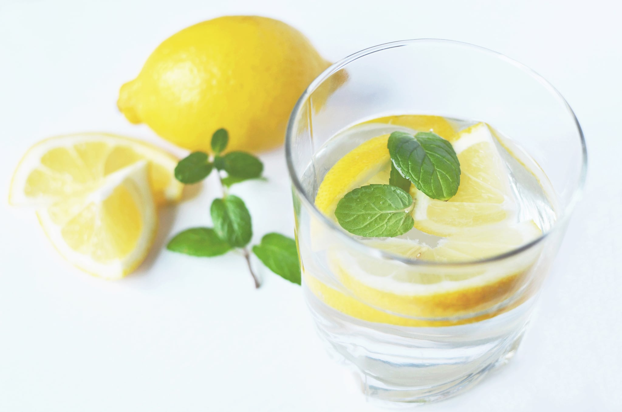 According to Experts, These Are the 4 Main Benefits Drinking Lemon Water Has on Your Skin