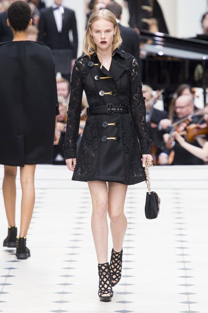 Burberry Spring 2016 Show | London Fashion Week