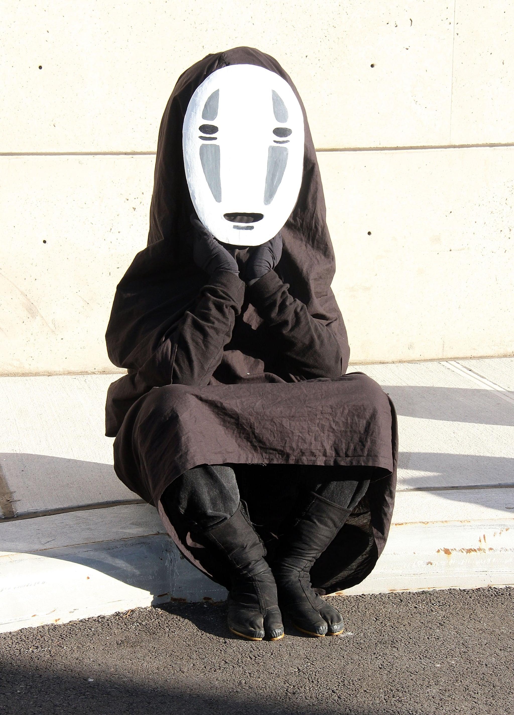 No Face Kaonashi Spirited Away The Cosplay Of New York Comic Con Was So Good Popsugar Tech Photo 9