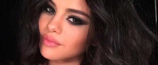 65 Times Selena Gomez's Makeup Looked Sexy as Hell in a Selfie