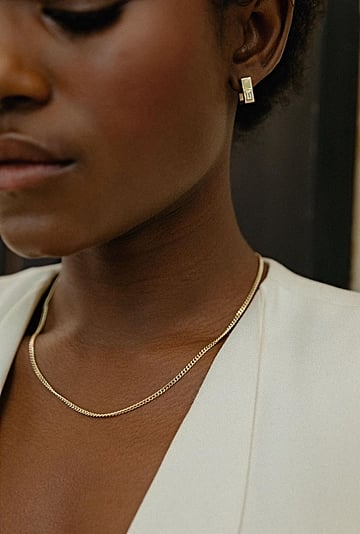 The Best Delicate, Minimalist Gold Jewelry to Shop For Women