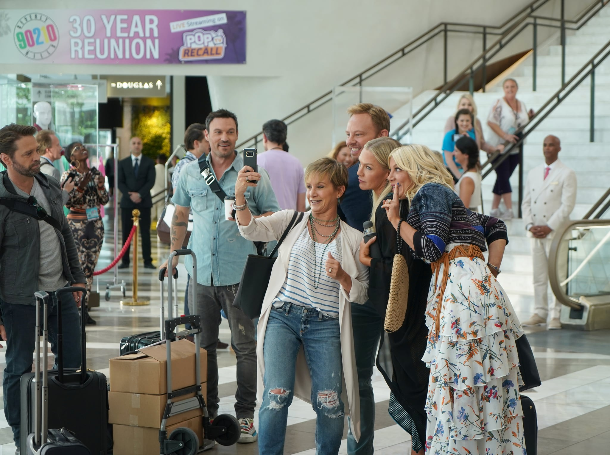 BH90210:  L-R: Jason Priestley, Brian Austin Green, Gabrielle Carteris, Ian Ziering, Jennie Garth and Tori Spelling in the BH90210