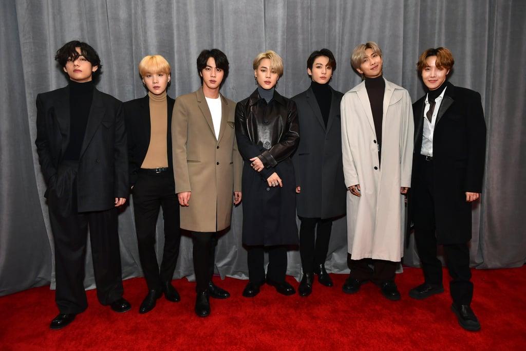 أعضاء فرقة BTS ينسقون سترات البذلات خلال حفل جوائز الغرامي 2