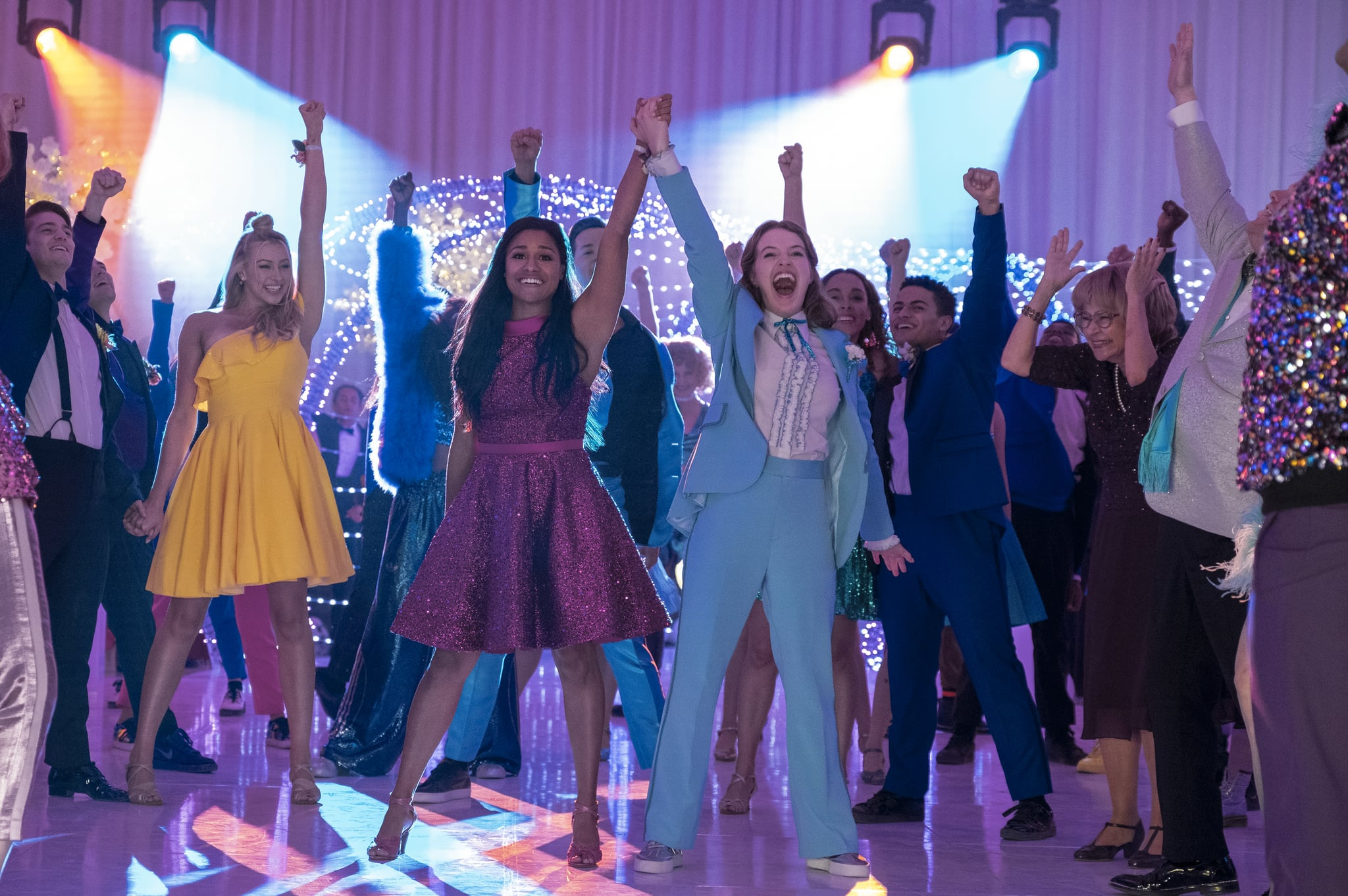 THE PROM (L to R)  NICO GREETHAM as NICK, LOGAN RILEY HASSEL as KAYLEE, ARIANA DEBOSE as ALYSSA GREENE, ANDREW RANNELLS as TRENT OLIVER, JO ELLEN PELLMAN as EMMA, SOFIA DELER as SHELBY, NATHANIEL POTVIN as KEVIN, TRACEY ULLMAN as VERA, JAMES CORDEN as BARRY GLICKMAN in THE PROM. Cr. MELINDA SUE GORDON/NETFLIX  2020