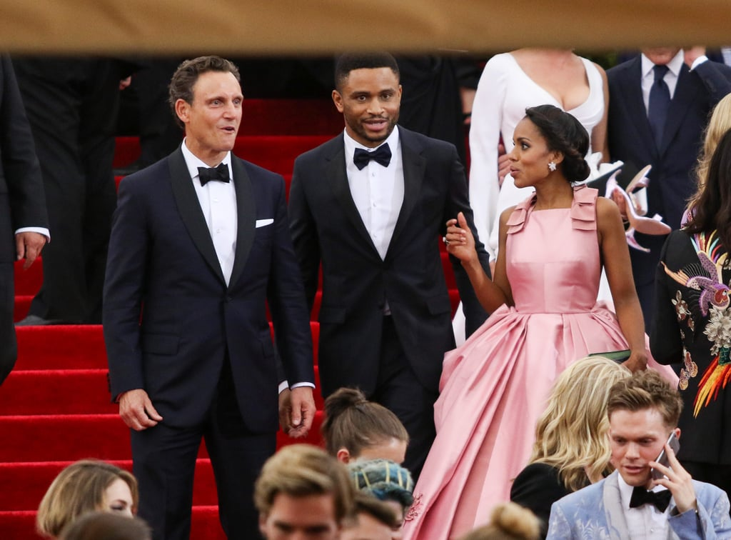 kerry washington was spotted chatting with her onscreen