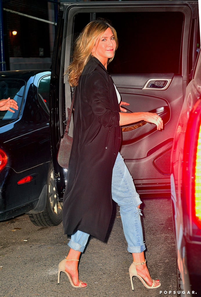 Jennifer Aniston Wearing Ripped Jeans to Dinner