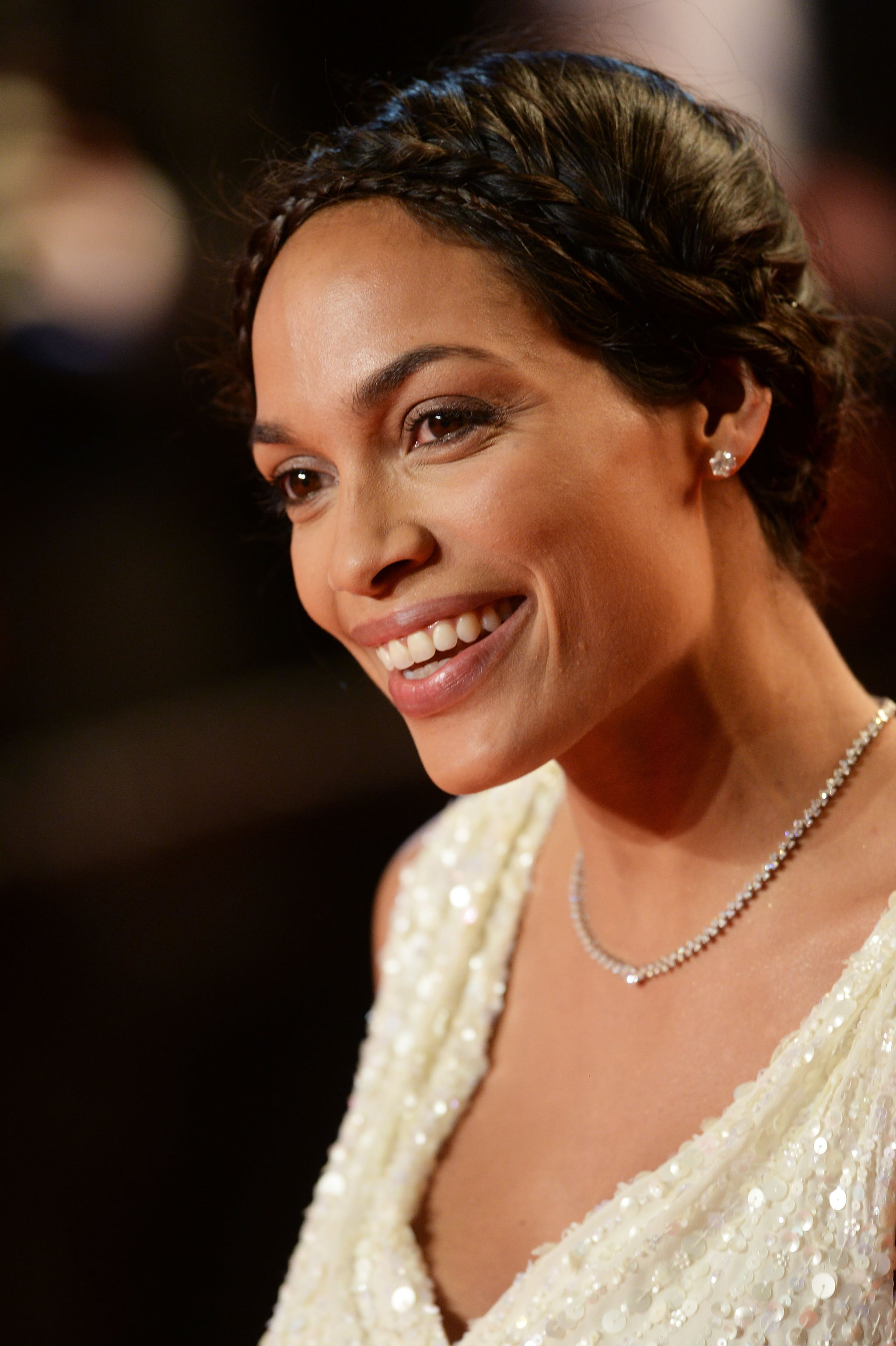 For her turn on the As I Lay Dying red carpet, Rosario Dawson shined with a natural glow. Brides with medium skin tones can easily mimic her look.