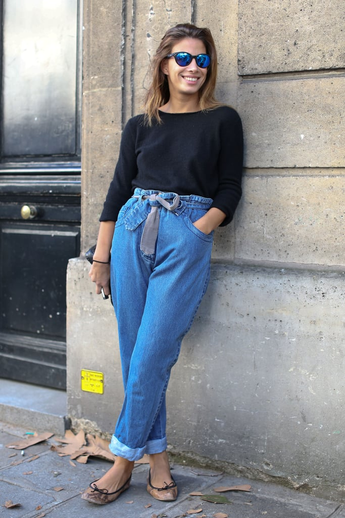 Boyfriend jeans in a slouchy fit were the cool counter to a basic t-shirt.