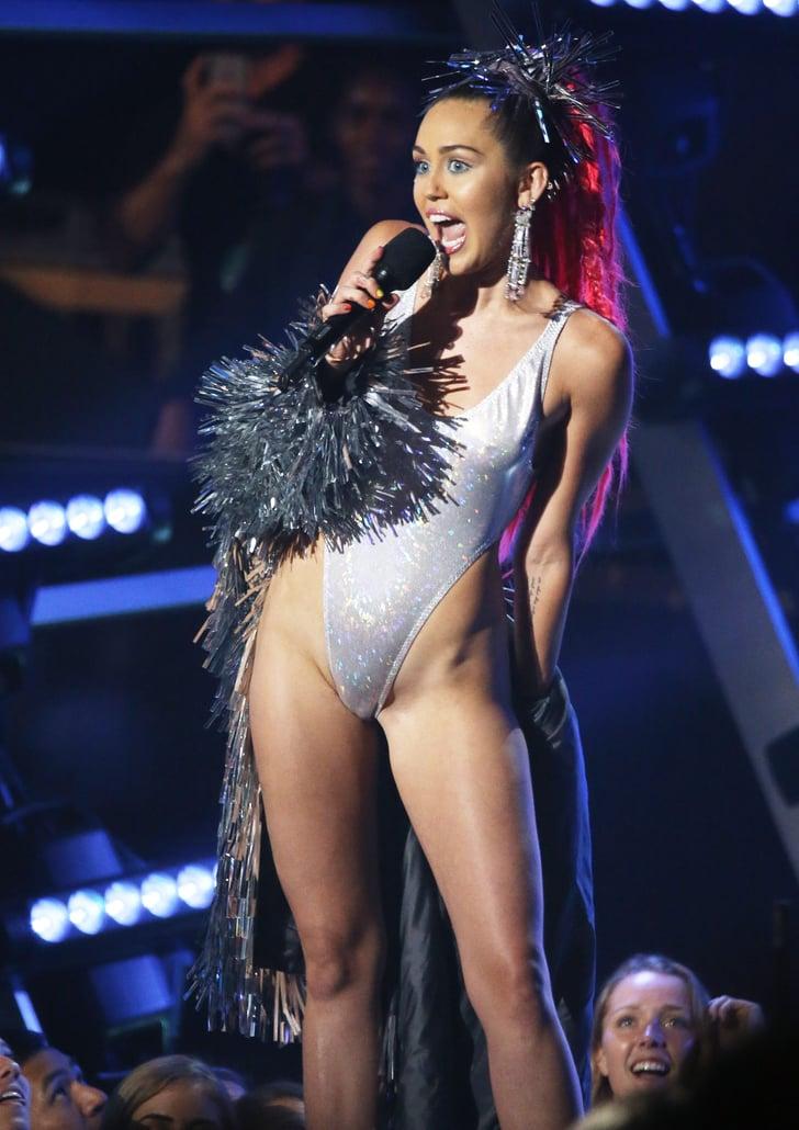 Miley Cyrus At The Mtv Vmas 2015 Pictures Popsugar