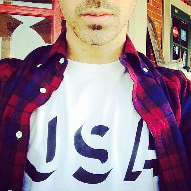Joe Jonas got into the patriotic spirit  | Snap-Happy Stars