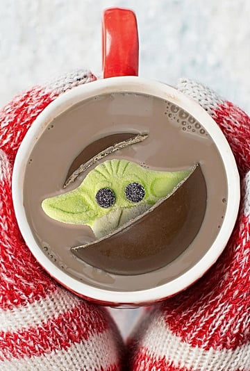 This Hot Chocolate Bomb Has a Baby Yoda Marshmallow Inside
