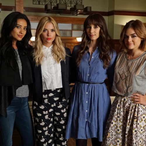 How to Dress Like Pretty Little Liars Characters