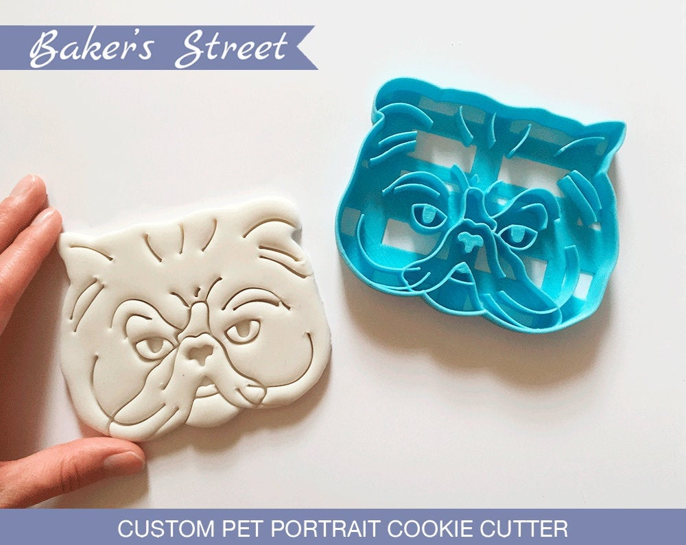 Example of a Cookie Cutter and Its Product