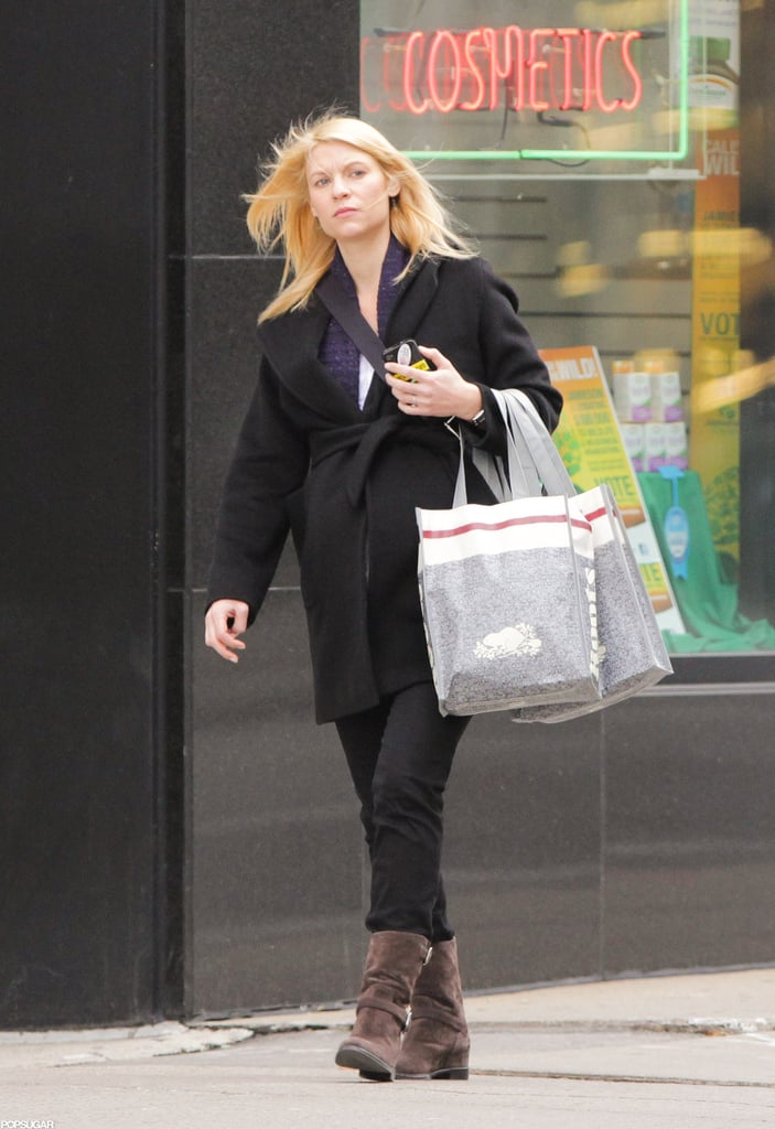 Claire Danes showed off her baby bump while shopping in Toronto.
