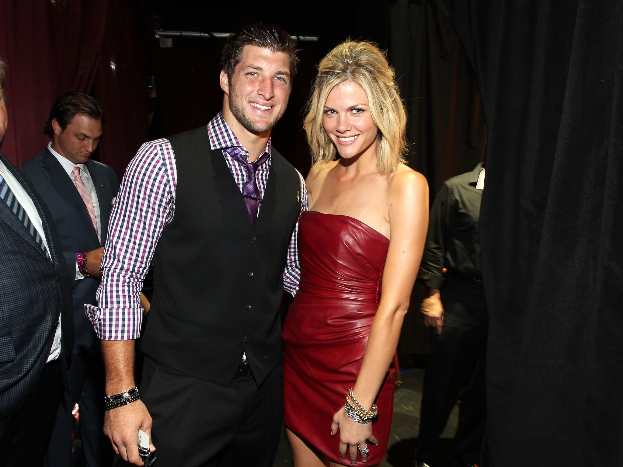 tebow dating Tim tebow and jana dating has been reported before, and would be the holy  grail of courtships as far as duggar nation is concerned.