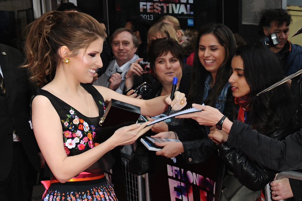Left Handed Celebrities Popsugar Celebrity