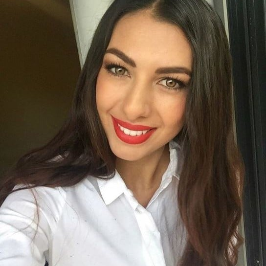 Sara sampaio hair and makeup on instagram popsugar for Y kitchen rules 2018