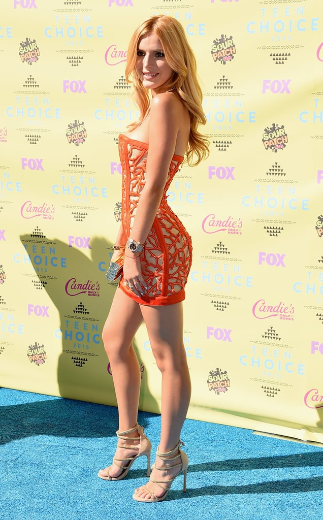 Bella Thorne's Teen Choice Awards Red Carpet Look