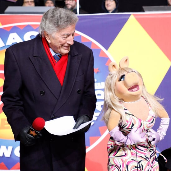 Miss Piggy Saves Tony Bennett During Thanksgiving Day Parade